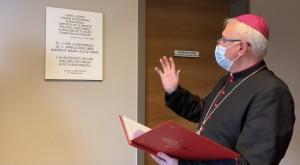 Spominsko ploščo je blagoslovil ljubljanski nadškof msgr. Stanislav Zore